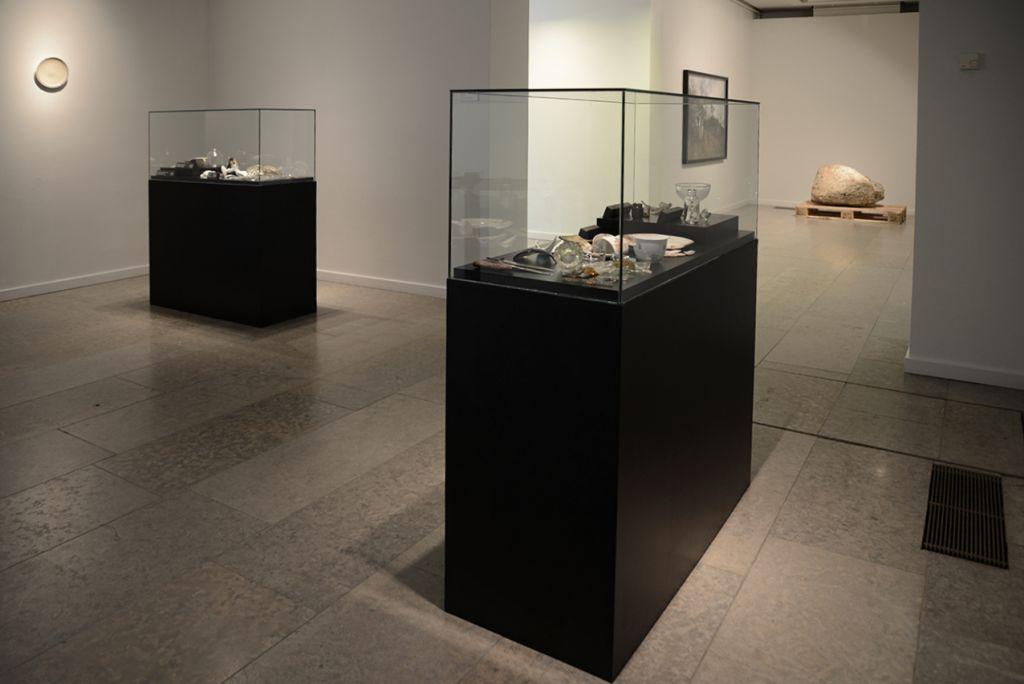 Baghave Monument I og II, Diverse udgravninger fra baghaven udstillet på museal vis på Turku Biennalen, 2013