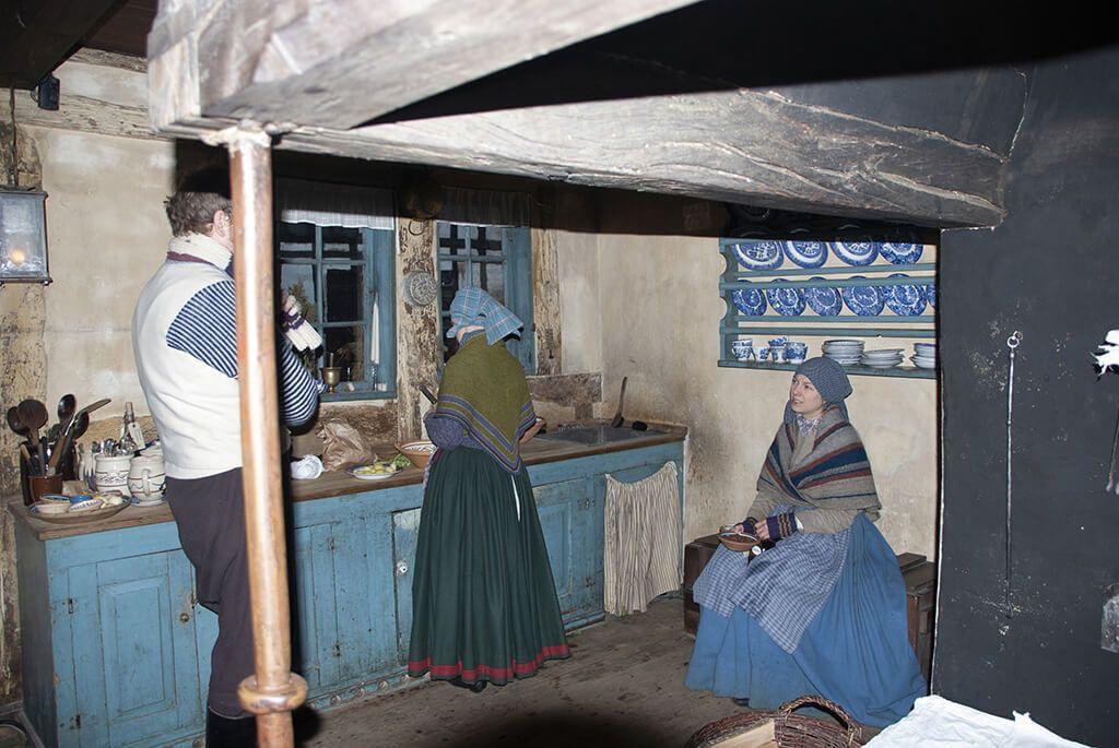 Historiske dragter til aktører i Den Gamle By